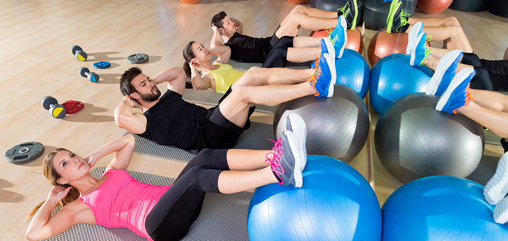 Fitball-crunch-training-group-core-fitness-at-gym